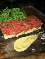 Washu-Beef tartare with blue cheese toast